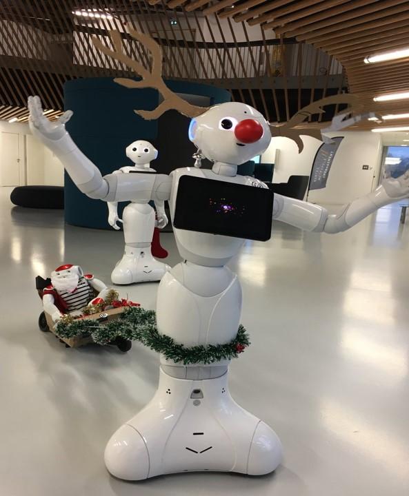 Robots Noel - Pepper - Nao